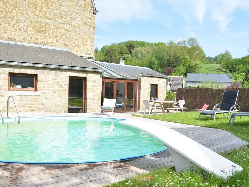 Village house with swimming pool, billiards, table football, ping-pong, fitness, holiday rental in Les Avins