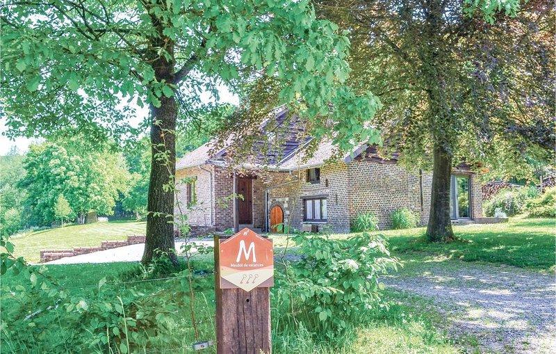 4 Zimmer Unterkunft in Pondrôme, vacation rental in Bourseigne-Vieille