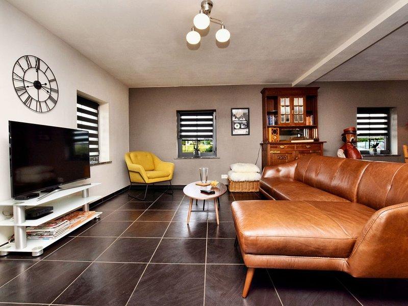 Spacious Apartment in Houffalize with Terrace, alquiler vacacional en Achouffe