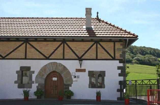 Casa , apartamento Oihan-Eder para 4 personas, vacation rental in Navarra
