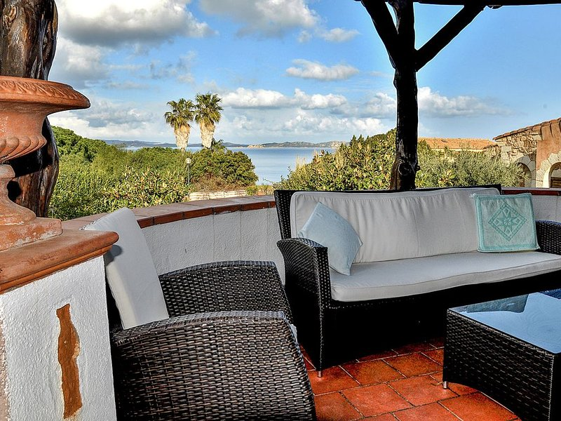 Baia Sardinia - Villa Rose with 3 rooms 187 meters from the sea - independent 10, vacation rental in Baia Sardinia