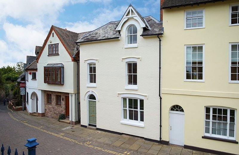 3 Palace Yard is a four storey townhouse in the heart of the city of Hereford