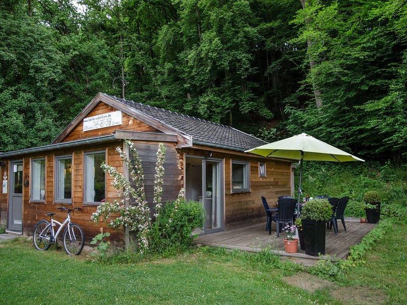 Gîte en bois nouveau/ eco-construction  avec jardin au calme en pleine nature, location de vacances à Anthisnes
