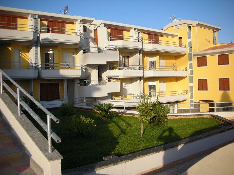Appartement tout equipe 800 m de la plage, Ferienwohnung in Valledoria