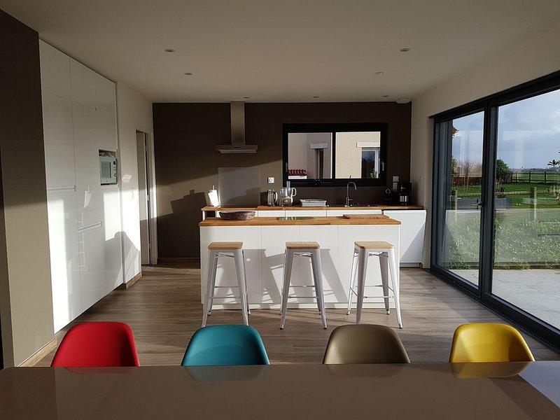 Maison moderne en bois, dans un village de bord de mer, plages du débarquement, holiday rental in Saint-Aubin-Sur-Mer