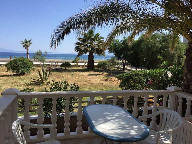 Großzügige Ferienwohnung direkt am Meer im Westen der Türkei, location de vacances à Ozdere