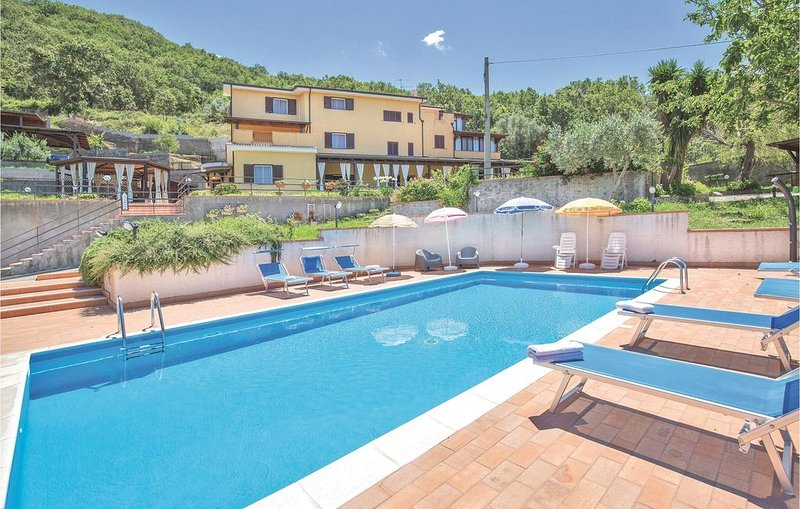 3 Zimmer Unterkunft in San Lucido -CS-, vacation rental in Belmonte Calabro