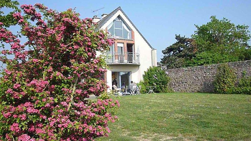 Villa, bord de mer, dans la baie du Mont Saint Michel    pour 6 personnes, location de vacances à Champeaux