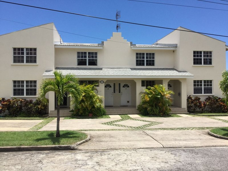 CONVENT VIEW: Spacious 2 bedroom Apartment, views of the Caribbean Sea., holiday rental in Six Mens