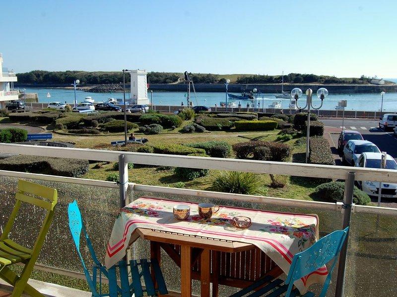 Appartement avec balcon, vue sur l'entrée du port., location de vacances à Saint-Gilles-Croix-de-Vie
