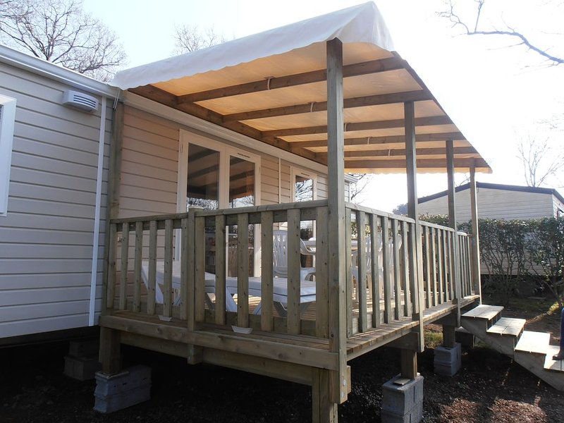 Mobil home neuf  2 chambres pour 4 personnes, holiday rental in Pont-Aven