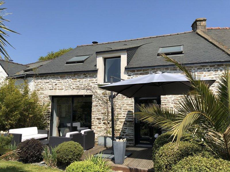 Maison entre Sarzeau et Vannes avec piscine privée, alquiler de vacaciones en Surzur