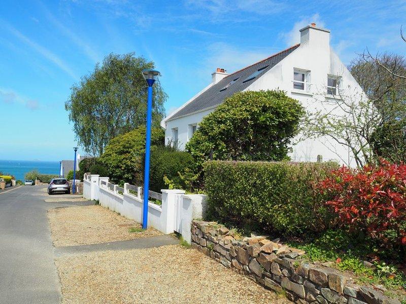 Maison 2/8 p, mer à pieds, 2 min Perros-Guirec, alquiler de vacaciones en Louannec