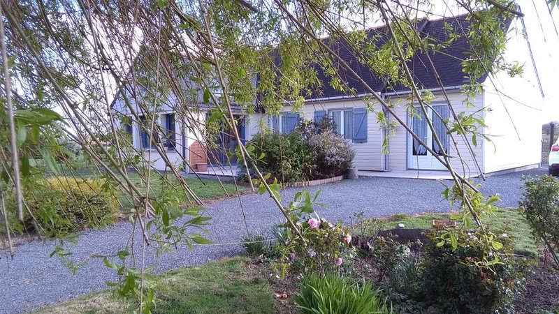 Bienvenue en Cotes d 'Armor, vacation rental in Pleudaniel