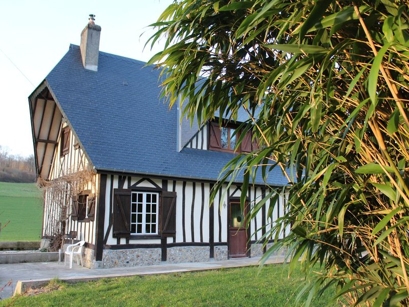 Maison normande dans cadre naturel exceptionnel, holiday rental in Saint-Vaast-Dieppedalle
