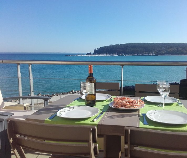 Appartement face à la mer et au port de Morgat, holiday rental in Crozon