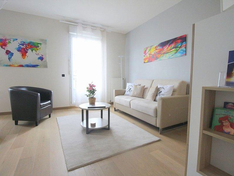 Disneyland only 10min - Duplex Apartment 6pax (CELTES5), vacation rental in Serris