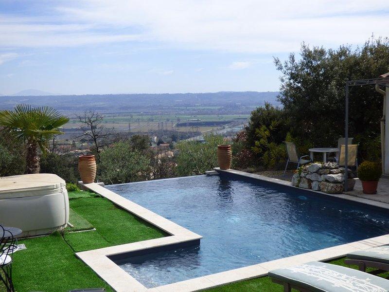 Gîte nature, piscine, jaccuzi, casa vacanza a Pierrevert