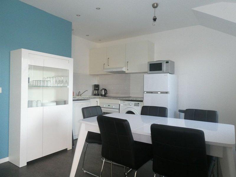 Proche mer,T3 65m²,2ch, 2sdb, piscine couverte et chauffée, vacation rental in Belz