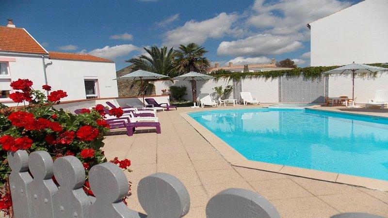 Location classée 3 étoiles de 4 pièces pour  6 personnes - piscine chauffée -, holiday rental in La Garnache