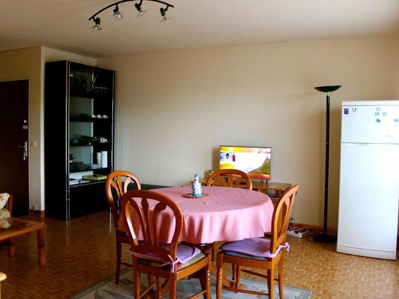 Houlgate Bel Appart 3 pièces, 4 personnes, 300 m de la plage et du centre ville., location de vacances à Dozulé