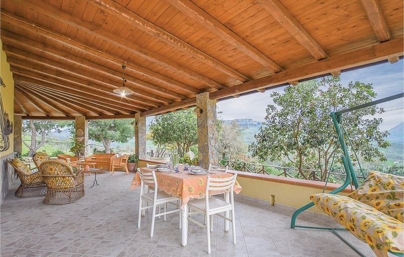 3 Zimmer Unterkunft in Caccamo -PA-, holiday rental in Montemaggiore Belsito