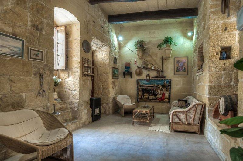 Casa Barone - charaktervolles Farmhaus in Victoria auf Gozo, holiday rental in Victoria