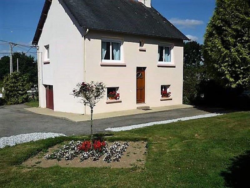 GITE DES 4 VENTS *** à ST-MAYEUX (22), vacation rental in Saint-Mayeux