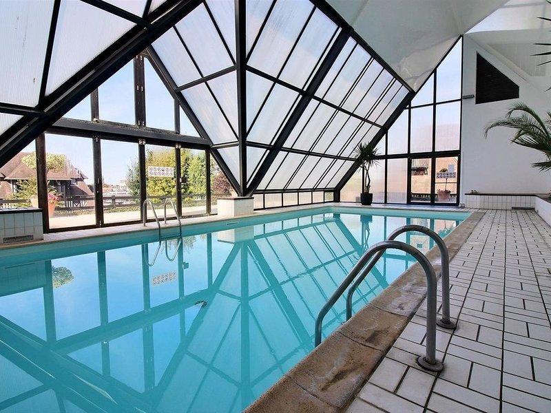 New ! Fabuleux duplex avec une vue imprenable, parking privé et piscine couverte – semesterbostad i Deauville City
