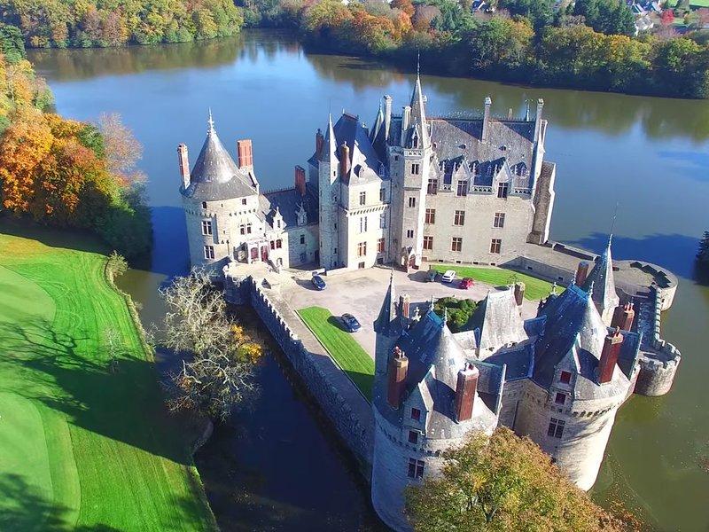 Tour du Marquis au château de la Bretesche, location de vacances à Campbon