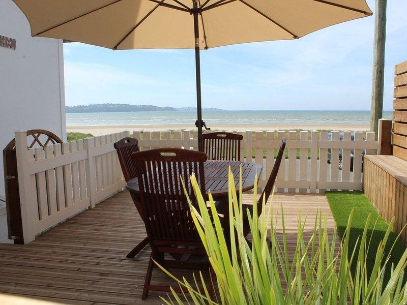 Pleine vue mer, proximité immédiate de la plage, vacation rental in Ploumilliau