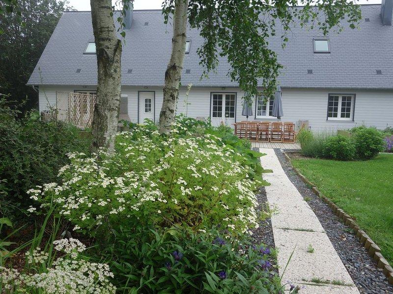 Gite La Pointe Ridel 30mn Deauville 10 personnes Calme Nature Chevaux - 3épis GF, vacation rental in Pont-Audemer