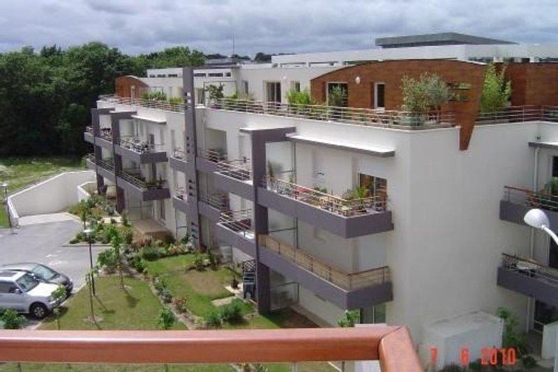 Vannes charmant appartement 30m2 avec grande terrasse et garage, casa vacanza a Vannes