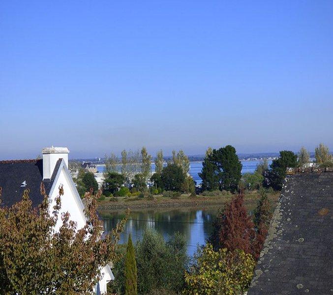 Joli appartement avec vue sur les toits de Loctudy -----------------------------, vacation rental in Loctudy
