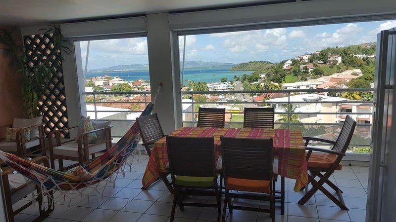 Appartement F4 -wi-fi,Magnifique vue sur Anse-Mitan les Trois-Ilets, holiday rental in La Pagerie