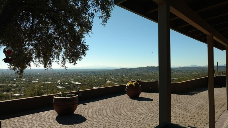 Magnificent Views- Tuscon Ranch Style Home, holiday rental in Mount Lemmon
