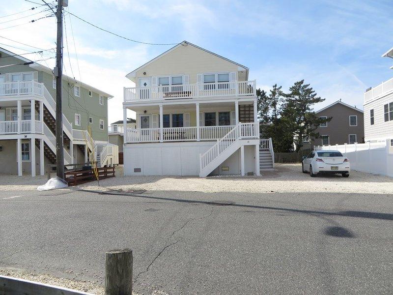 Oceanside,  3 Bedroom Duplex Upstairs, Family Ready, Great Backyard, holiday rental in Long Beach Island