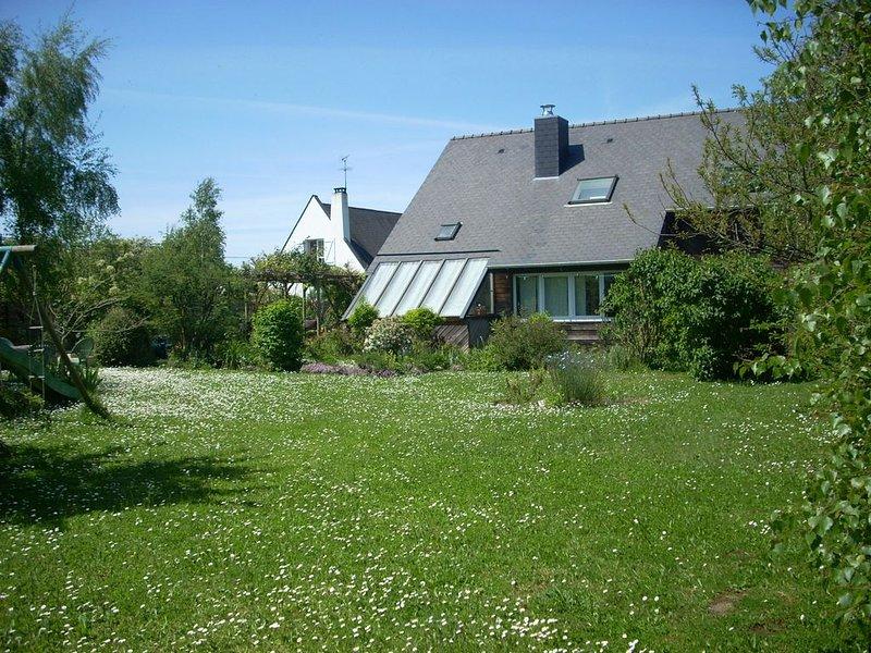 Villa 9 personnes :  jardin clos arboré, 4 chambres, 2 wc ( dont 1 indépendant), holiday rental in Saint Andre des Eaux