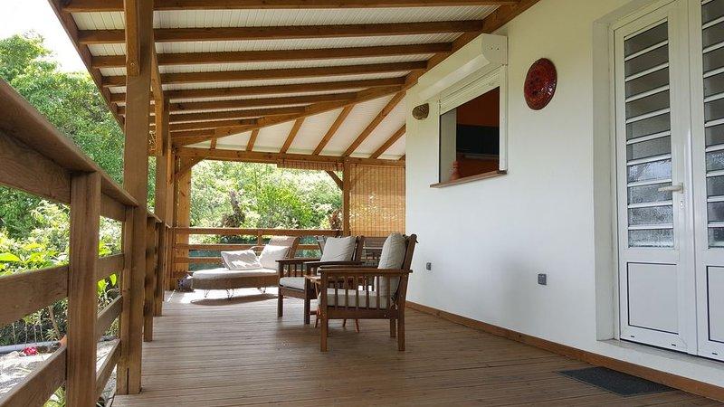 ARTIS KAY  bungalow dans le  calme et la sérénité pour des vacances réussies, aluguéis de temporada em Arrondissement of Le Marin