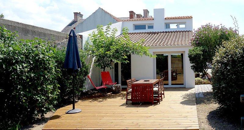 Maison proche plages et centre ville, location de vacances à Beauvoir-Sur-Mer