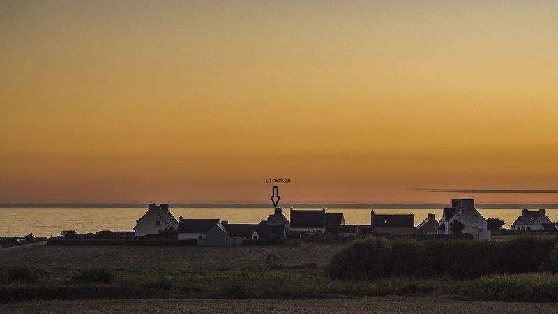 Vue mer panoramique face à la plage - 20 mètres de la plage -, location de vacances à Plozévet