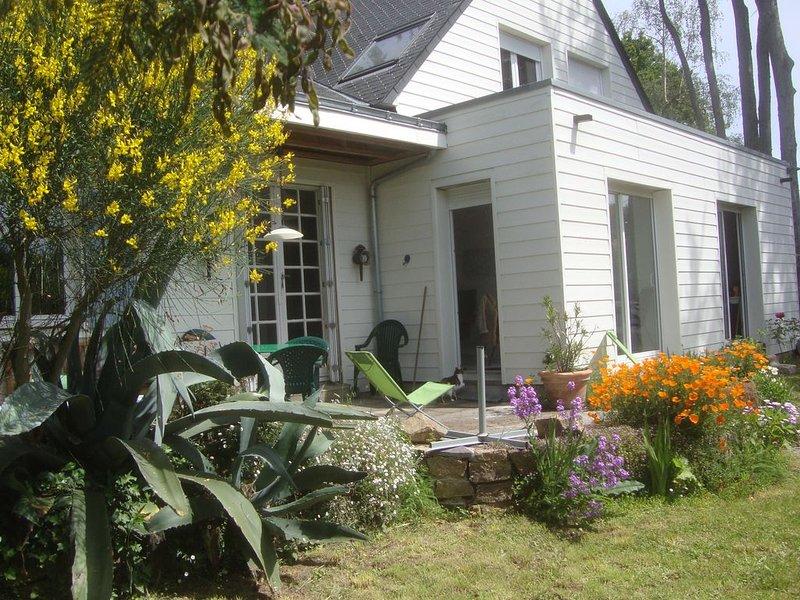 House 90 m2 - Sea side- Near quiet beaches on foot - Pen Bé (Pénestin) -, holiday rental in Asserac