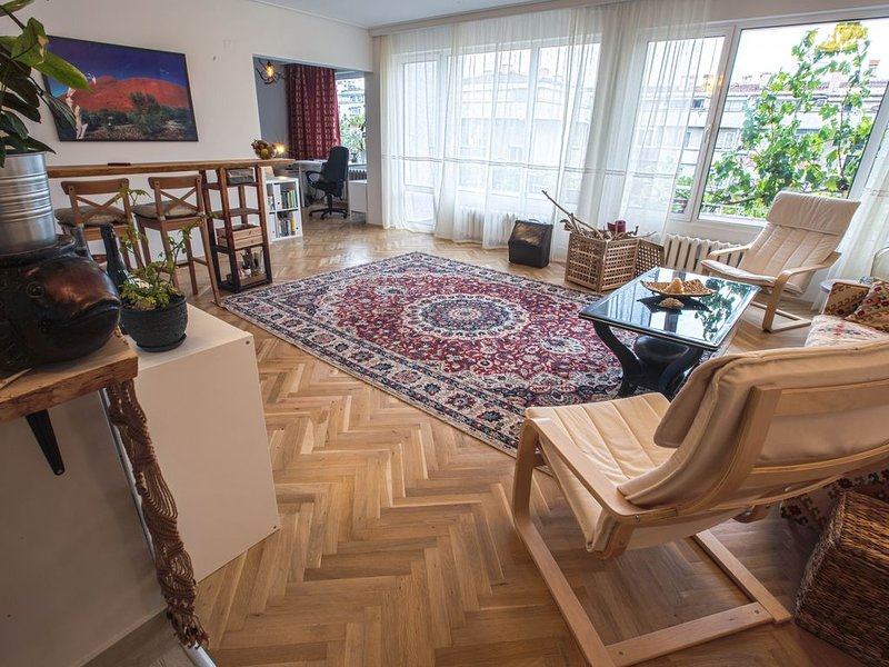Artist's Flat, Entire Home, holiday rental in German