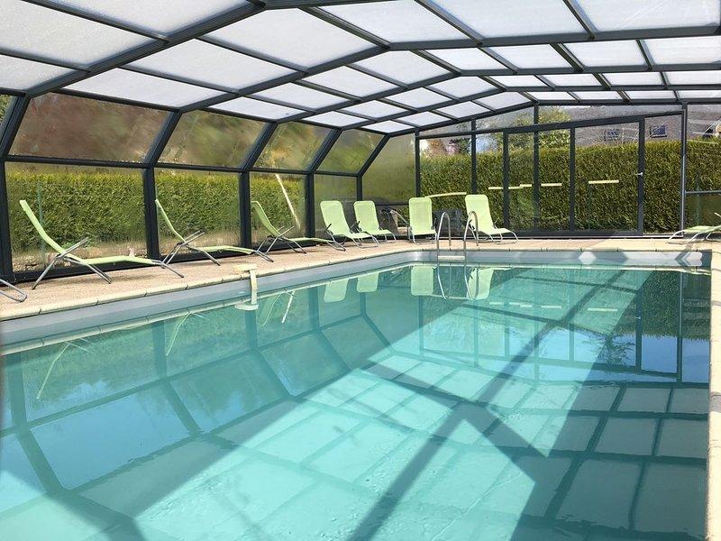 gite 5 personnes piscine chauffée et couverte, location de vacances à Ploerdut