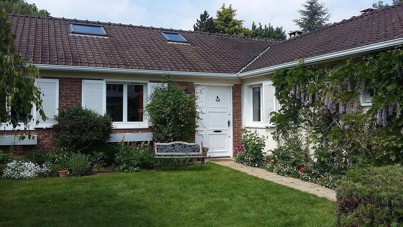 Maison dans résidence calme  de charme proche Versailles et golf national, vacation rental in Guyancourt