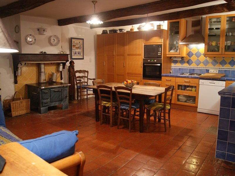 Proche Sisteron gîte Entrepierres Alpes de Haute-Provence 9 personnes, holiday rental in Clamensane