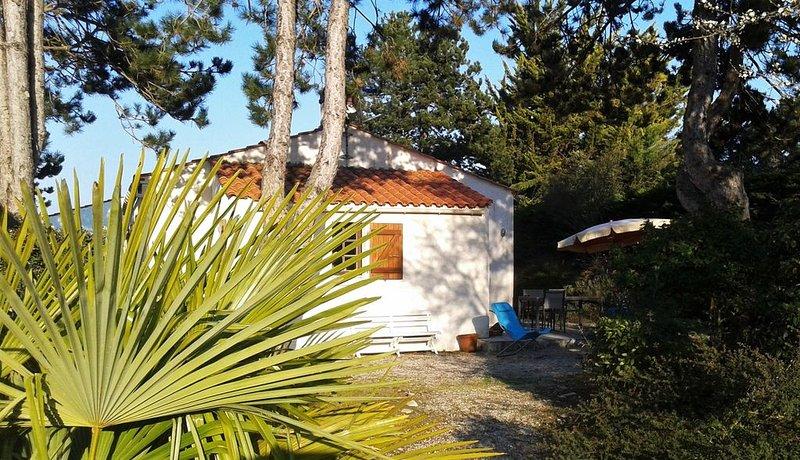 Charmante maison indépendante proche de la plage, holiday rental in Saint-Hilaire-la-Foret