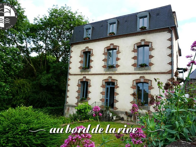 Suite 'Passerelle' (Pontrieux), holiday rental in Pommerit-le-Vicomte