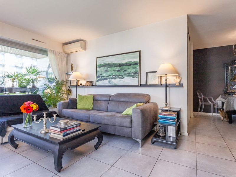 Appartement confortable avec terrasse, holiday rental in Saint-Mande