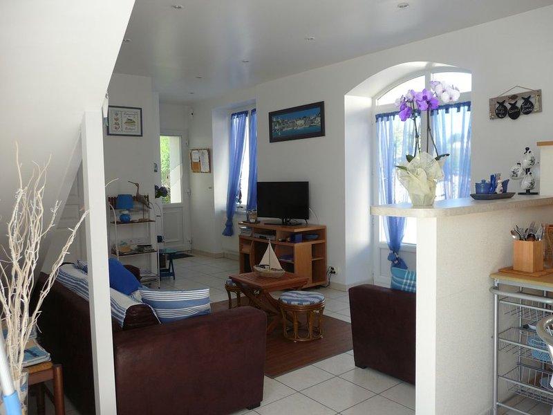 'Chez Tante Na' Maison  de famille indépendante, rénovée, lumineuse., holiday rental in Plouhinec